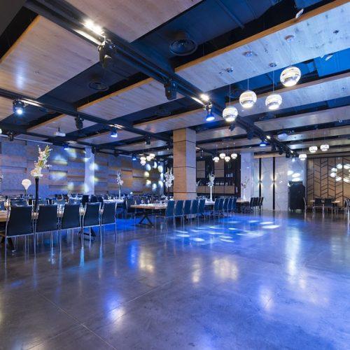 תאורה חכמה בעיצוב כחול לאירוע פרטי