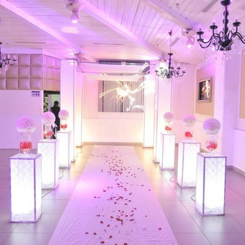 חופה מעוצבת לחתונה קטנה בהאוס אירועים